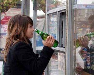 В Смоленске осудили работницу торговли, продавшую пиво школьнице