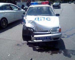 В Смоленске патрульная машина ДПС врезалась в «Форд Фокус»