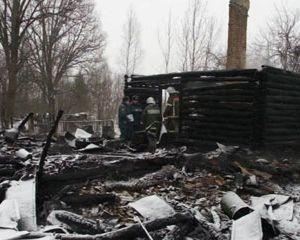 В Смоленской области на пожаре погибли три человека