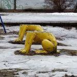Неизвестные обезглавили статуи львов в Смоленске (фото)