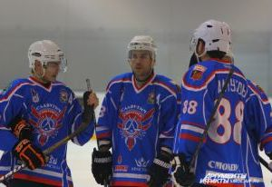 Смоленский «Славутич» уступил на выезде хоккеистам из Самары