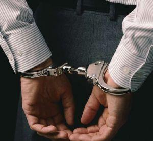 Смоленского чиновника подозревают в нарушении закона