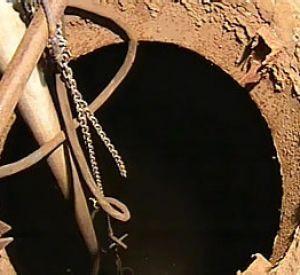 В Смоленской области ребенок погиб, упав в канализационную шахту
