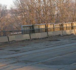 Гаишники велели сити-менеджеру привести в порядок улицу Дзержинского
