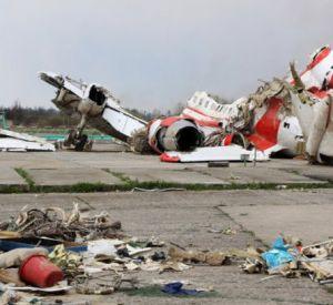 Смоленская катастрофа продолжается: обломки польского Ту-154 растаскивают на металлолом?