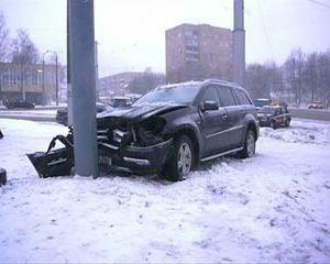 В Смоленске столкнулись сразу 7 автомобилей, пострадавших нет