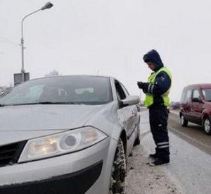 Автоледи сдала полиции вымогавшего у нее взятку гаишника