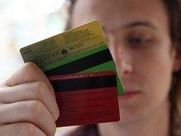 Смоленские продавцы отдали злоумышленнику чужую банковскую карточку