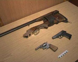 В Сафоновском районе полицейские обнаружили оружие и крупную партию наркотиков