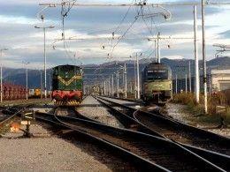 В Смоленской области троих детей, решивших покататься на крыше поезда, ударило током