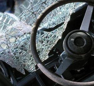 При столкновении КамАЗа с легковушкой пострадали четыре человека