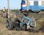 В Дорогобужском районе трактор столкнулся с поездом