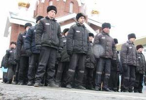 Заключенный колонии в Смоленской области угрожал заразить охранника ВИЧ