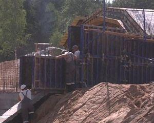 В Смоленской области строят арочный мост