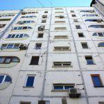 Рославльчанин случайно выпал из окна девятого этажа