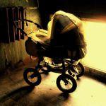 В области воспламенилась детская коляска