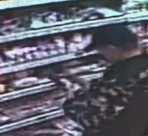 Камеры видеонаблюдения зафиксировали магазинного вора