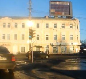 В областном центре автомобилист проехал по встречке (Видео)