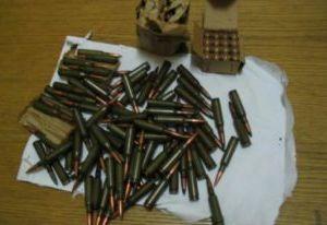 Полицейские изъяли у смолянина нелегальный охотничий карабин и 100 патронов