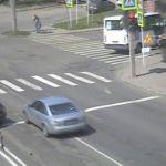 Смоленские водители игнорируют запрещающий сигнал светофора