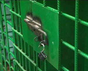 В Ярцевском районе раскрыли кражу автопокрышек