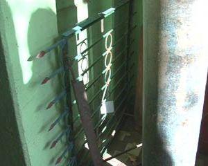 В Рославльском районе задержан преступник, воровавший ограды на могилах