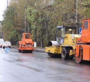 В Смоленске продолжают ремонтировать дороги